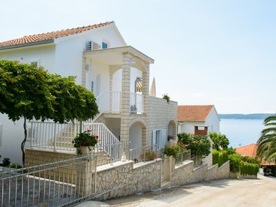 Photo for Holiday apartment 100m from the beach with terrace and barbecue