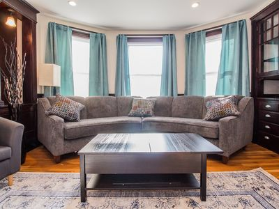 Photo for Large 4/5 bedroom ,2 bath close to Harvard, MIT, Tufts, close to red line,C/A