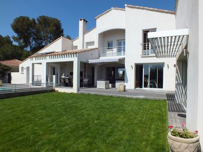 Photo for Large villa with pool, quiet, between sea and hinterland Hérault.