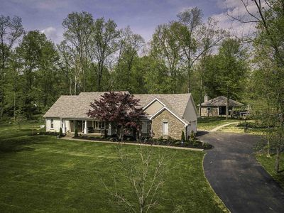 Beautiful Home In Secluded Neighborhood with Pool House & Heated Pool