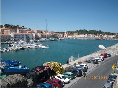 Photo for T4 apartment, harbor view, 2 to 6 people, shops and center nearby