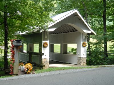 Photo for Gorgeous Knotty Pine Lodge 13.5 Miles from Downtown Nashville