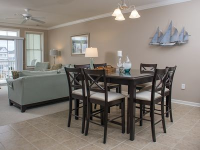 Photo for Waterfront in Sunset Island - Beachy Condo w/ Wi-Fi, Pools & Private Beach