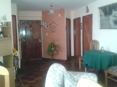 LOVELY AND COMFORTABLE 2 BDR APPARTMENT.