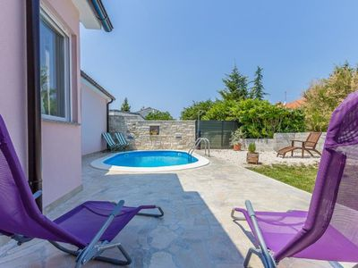 Photo for Villa with private pool, 3 bedrooms, 2 bathrooms, washing machine, air conditioning, WiFi - only 1.3 km to the pebble beach