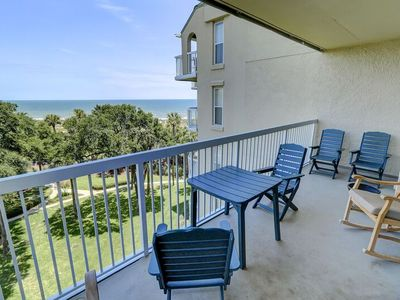 Fully Updated Kitchen and Bathrooms with an Ocean View!