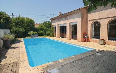 Photo for 1 bedroom accommodation in Aix-en-Provence