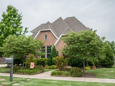 Photo for Beautiful, family-friendly home in Rogers. Close to everything.