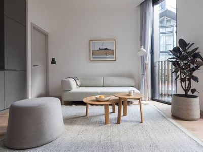 Photo for Chill Oxford Street 2BR - Netflix & Natural Light