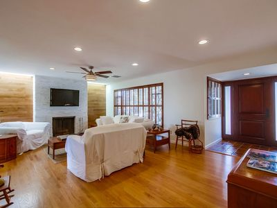 Fabulous Spacious Remodeled FURNISHED Home W/Large Private Yard-Beach 6 Blocks!