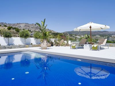 Photo for Impressive & well designed luxury villa with relaxation in mind.