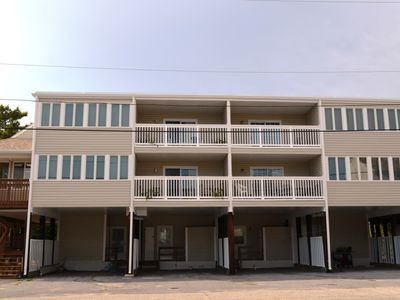 Photo for Remodeled 4 Bdrm 3 Ba Townhouse 200 steps from Private Beach!
