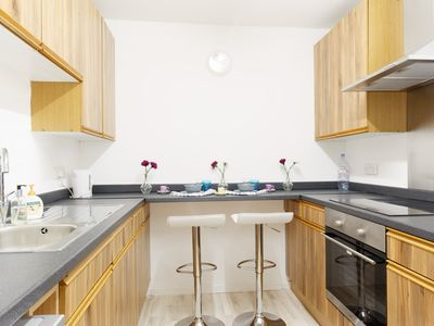 Photo for Nice spacious affordable flat close to Canary Wharf