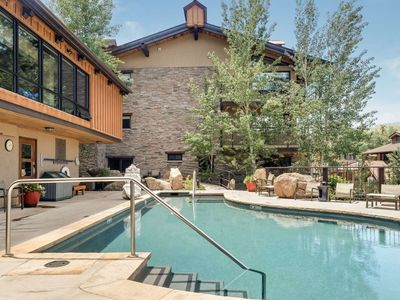 Photo for Crestwood at Snowmass Mountain. Outdoor Pool, Hot Tubs, Balcony, Gas Grill. Free Shuttle, Parking