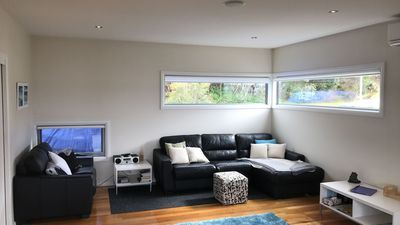 Ansons Bay House Rental   Downstairs Lounge
