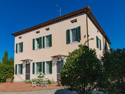 Photo for Vivi - Villa with private pool & garden. WIFI. Walk to grocery. Lucca area.