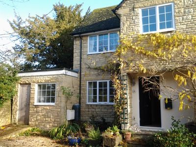 Photo for Quiet, Spacious Charlbury House ideal for touring Oxford and Cotswolds