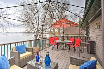 A lake escape awaits you and your family at this Elysian vacation rental house!