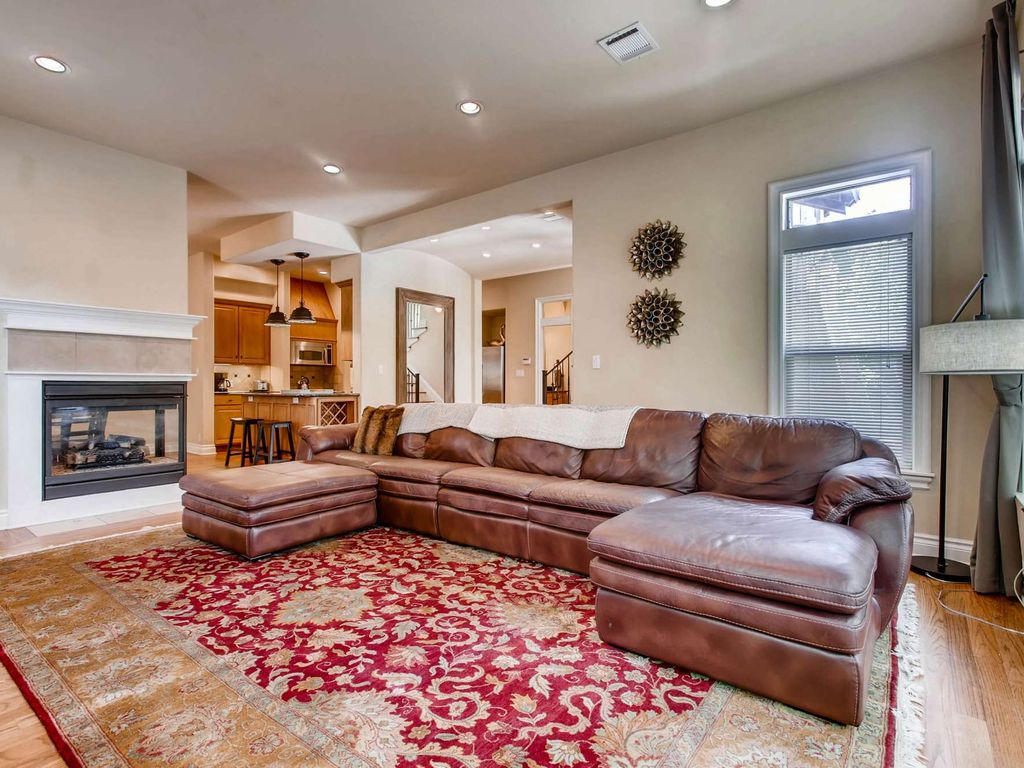 Spacious 4 Bedroom Home in Central Austin