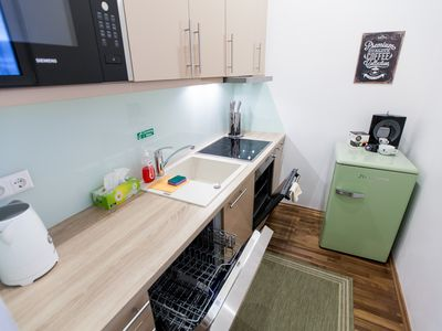 Photo for Vienna Market 3 Bedroom Apartment, free Garage, 3 mins to Metro