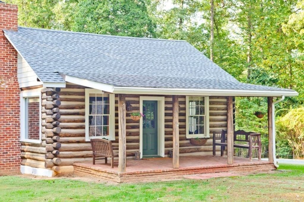 Luxurious log cottage cabin in the heart o homeaway for Charlottesville cabin rentals hot tub