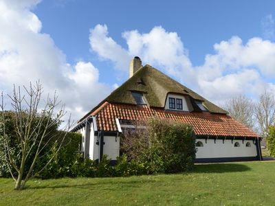 Photo for Zilverling - 6 persons Lodge in a luxurious thatched farmhouse