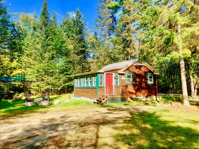 CHR: Cozy cabin in Franconia minutes from Cannon, Franconia Notch State Park, restaurants! Fire Pit, wifi, laundry, bonus room!  COVID SPECIAL RATES AND POLICIES IN EFFECT