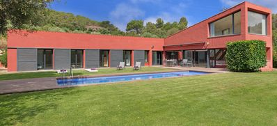 Photo for 4 bedroom Villa, sleeps 8 in Mont-ras with Pool