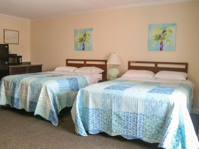 Photo for 1 BR/1 BA Efficiency-Walk to Stores, Restaurants, & BEACH-Large POOL-Sleeps 4