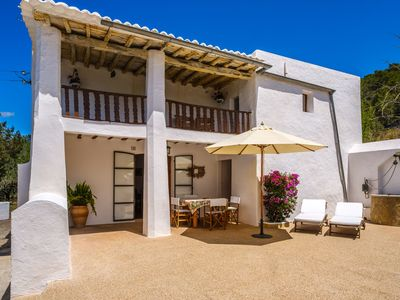 Photo for Beautiful Holiday Home with Balcony, Garden & Wi-Fi; Parking Available