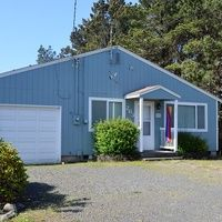 Photo for 4Bed/2Bath Pet Friendly, Fenced Back Yard, Steps to Beach Access