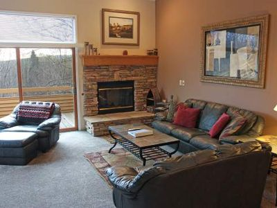 Save on Golf and Skiing. Free Shuttle to Nubs Nob. Trout Creek Condo #87 - 3 Bedroom Loft, 2 Baths.