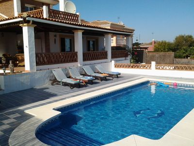 Photo for Quiet villa with private pool, wifi, air con, table tennis and pool table.