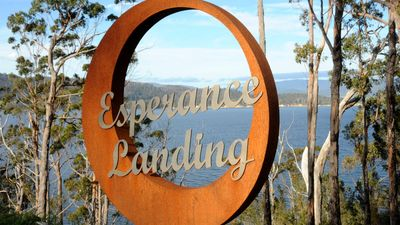 Photo for Esperance Landing- luxury with absolute waterfrontage