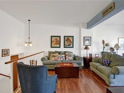 Photo for 2 Bedroom, 2 Bath Condo, Balcony with Views,Common Pool and Jacuzzi
