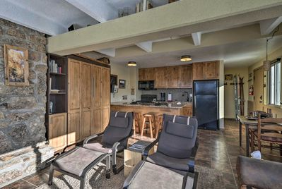 This 1-bed, 1-bath vacation rental offers sleeping arrangements for 6 travelers.