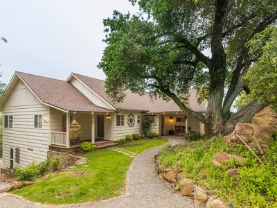 Photo for Bask in the beauty of San Diego's back country in this cozy homestead.
