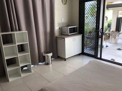 Photo for Close to amenities, NBN, Swimming pool, Netflix,