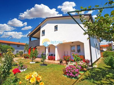 Photo for Apartment 1439/13367 (Istria - Stinjan), Budget accommodation, 900m from the beach