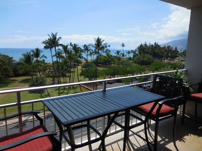 Great 16 foot Lanai to hang out. Direct Pacific Ocean view, Kalama Beach Park.
