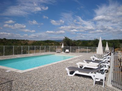 Photo for Villa with private pool and spa, quiet with panoramic views of the garrigue