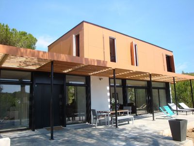 Photo for Contemporary villa in the heart of Gigaro
