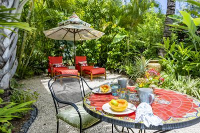 Your private garden for relaxing, dining and bird-watching