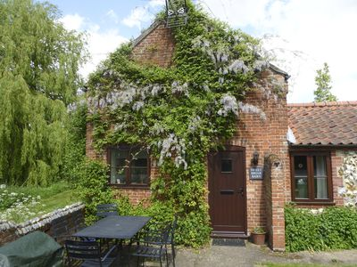 Photo for SWEET BRIAR BARN, family friendly in Coltishall, Ref 24423