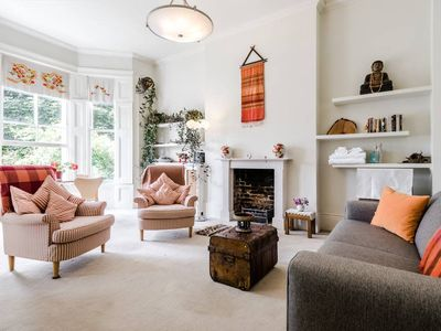 Photo for Entire Home: Chic & cheery 1bed in Shepherd's Bush
