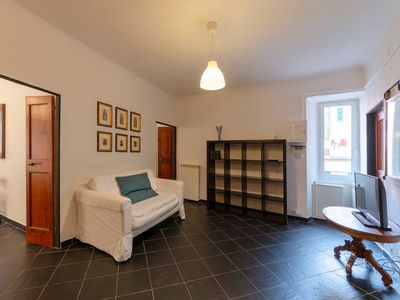 Photo for Gaslini e dal Mare apartment in Genoa with WiFi & air conditioning.
