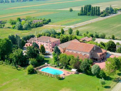 Photo for Large property on farmland with swimming pool.