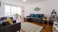Bright, well located, nicely furnished apartment