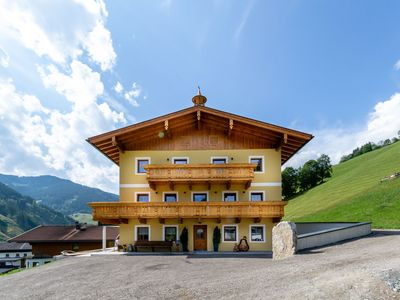 Photo for Spacious Apartment in Saalbach with Ski boot heaters