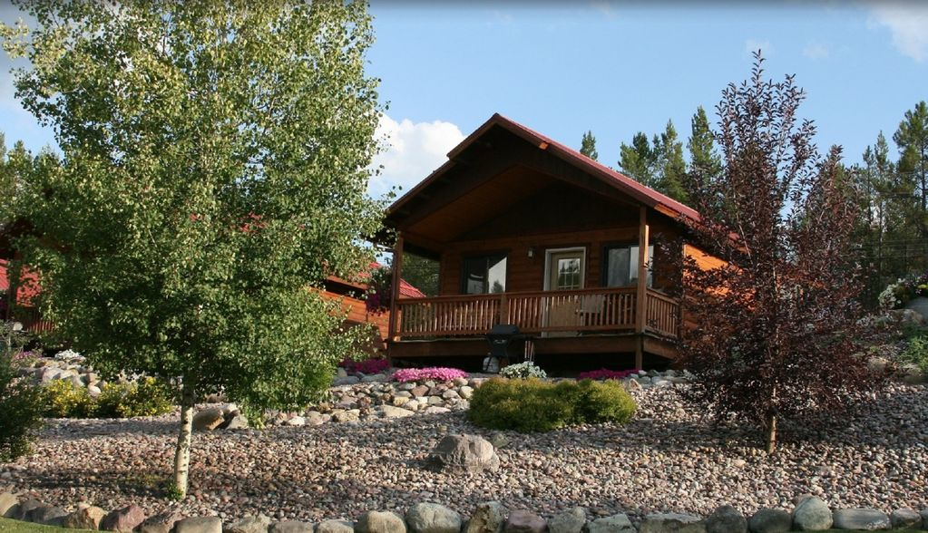 Superieur Property Image#1 ROCKY MOUNTAIN CABIN U2013 BEAUTIFUL PRIVATE SETTING, 6 MILES  TO GLACIER